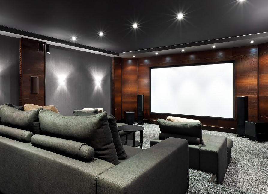 3 Reasons to Ditch the Movies and Enjoy a Private Home Theater